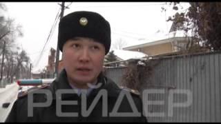 В Алматы трое мужчин набросились с кулаками на полицейских REIDER 21 12