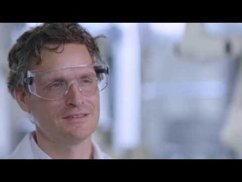 Shell-Experte zum Thema: Vorteile von Shell V-Power 100
