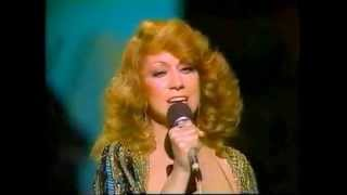 """Dottie West - """"You're Not Easy To Forget"""""""