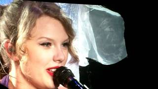 """Taylor Swift covering Bryan Adams' """"Summer of '69"""" in Vancouver on Sept 10, 2011"""