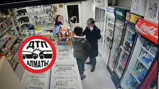 Сотрудник Astana Motors избил женщину в магазине