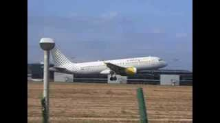 preview picture of video 'Despegue de Vueling Airbus A320'