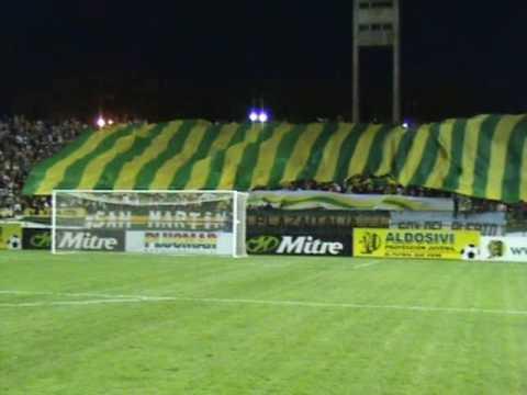 """""""ALDOSIVI 1 Platense 0 - 28-02-2009 - Salida del Equipo"""" Barra: La Pesada del Puerto • Club: Aldosivi"""