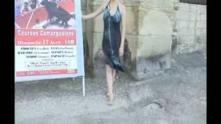 Lolita Gypsie Barefoot girl (Arles street)