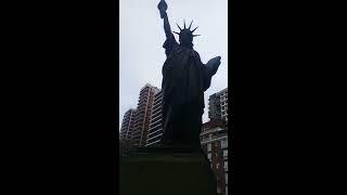 La Estatua de la Libertad de la Plaza de Barrancas de Belgrano