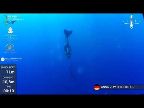 Tieftauchen mit Monoflosse / Anna von Boetticher 71m / 2017-08-25 WM in Roatan