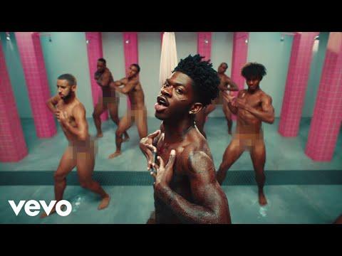 "Lil Nas X la joue ""Pink is the new Black"" dan sle clip de ""Industry Baby"""