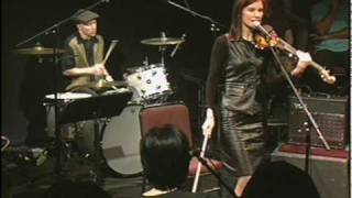 "10,000 Maniacs ""Can't Ignore the Train"""