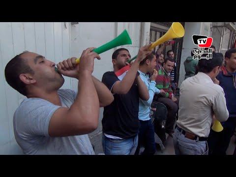 حملة الماجستير يتظاهرون بـ«الكوسة والفوفوزيلا» أمام مجلس الوزراء