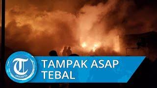 Kebakaran Hebat Lapak Limbah Plastik Dekat Bandara Soekarno-Hatta, Asap Hitam Membumbung Tinggi