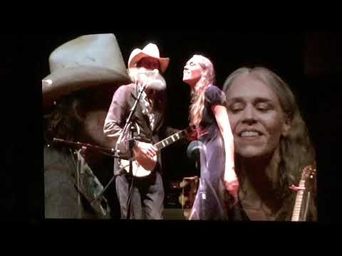 "Gillian Welch & David Rawlings - ""Six White Horses"" Live - at Red Rocks"
