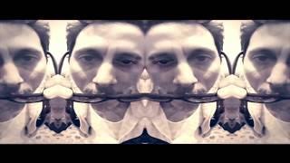 La Del Estribo - Canserbero feat. Apache (Video)