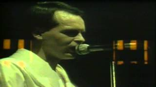Gary Numan (London 1981) [17]. I'm An Agent