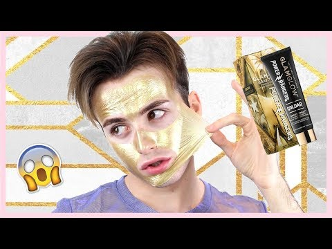 Le masque pour la personne avec le lait par le miel et loeuf pour