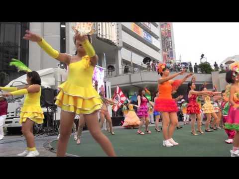 黄色いレオタードで踊るJSの控えめのおっ○いが激しく揺れまくるww