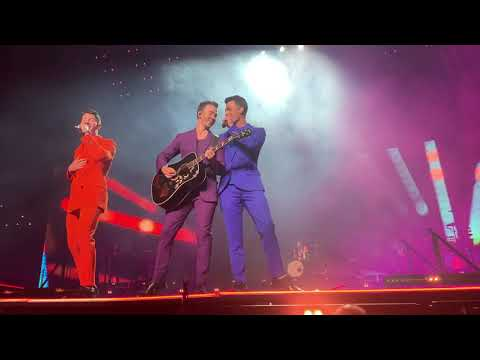 Jonas Brothers - Happiness Begins Tour Intro/Rollercoaster - Miami 4K