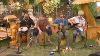 Jason Mraz - I'm Yours (Live backstage at Glastonbury)