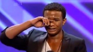 La plus belle voix dans le monde - il a commencé à pleurer (X Factor)