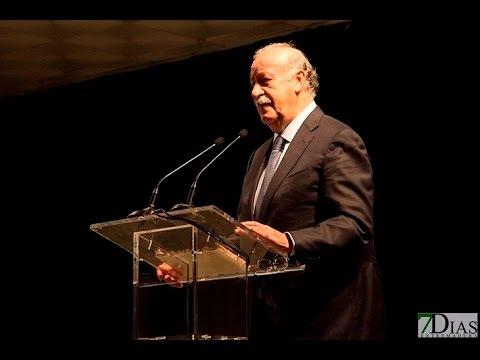 VICENTE DEL BOSQUE RECOGE EL PREMIO ADALID
