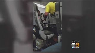 Man Biting Passengers On JetBlue Flight Forces Plane To Turn Around