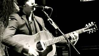 Arctic Monkeys Only ones who knows acoustic