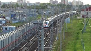 сдвоенный скоростной электропоезд Сапсан на Москву