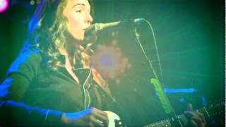 Brandi Carlile - Dying Day w/ Lyrics on screen