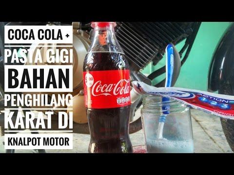 Video Cara ampuh membersihkan karat di knalpot motor dengan coca cola di campur pasta gigi.