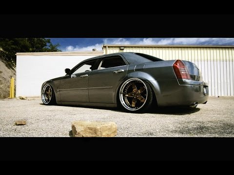 Slammed Chrysler 300c - AG Wheels