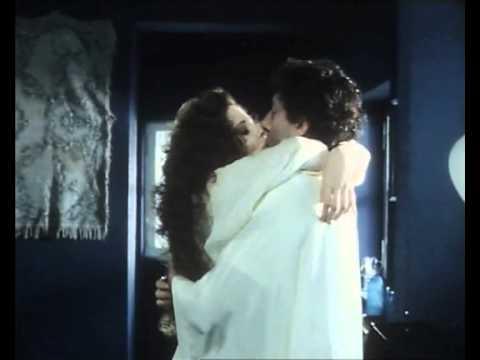 Francesca Dellera bellissima in una scena del film