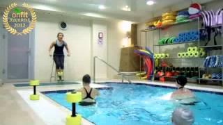 Смотреть онлайн Аквааэробика с гантелями: упражнения