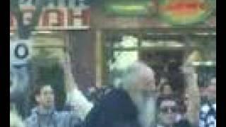 Παπά, παπά, γαμώ τον Πειραιά (από poniroskylo, 20/11/08)