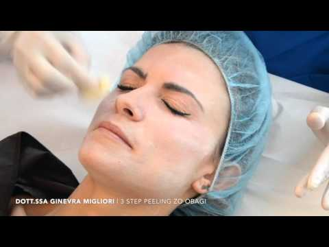 I trattamenti di faccia di decolorazione dopo abbronzatura