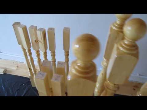 Деревянная лестница для дома. Покраска лаком.