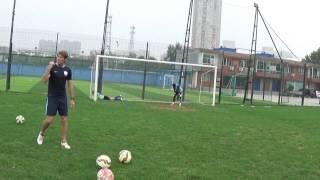Timing  seitlicher Aufsetzer Ball zur Torlinie rechts