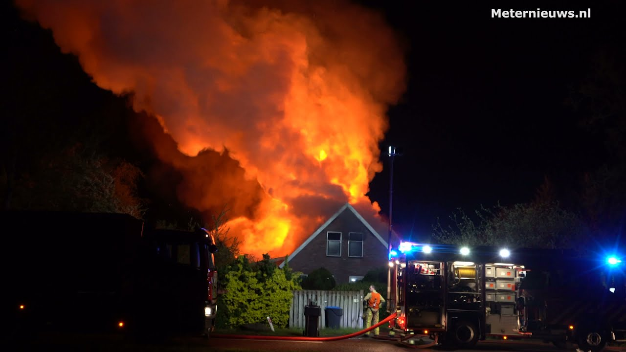 Grote brand legt woonboerderij Drentse Huis ter Heide in de brand