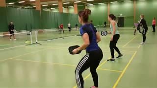 Liikunnanopettajat ihastuivat pickleballiin Turussa