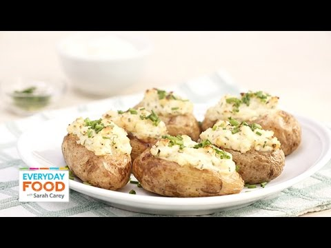 Twice-Baked Sour Cream and Chive Potatoes – Everyday Food with Sarah Carey