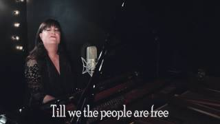 "Ann Hampton Callaway Sings ""The Women's March Song"""
