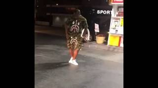 O.T. Genasis doing C-Walk