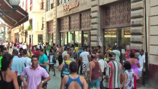 preview picture of video 'Calle Obispo is the number one shopping street in Havana Vieja'