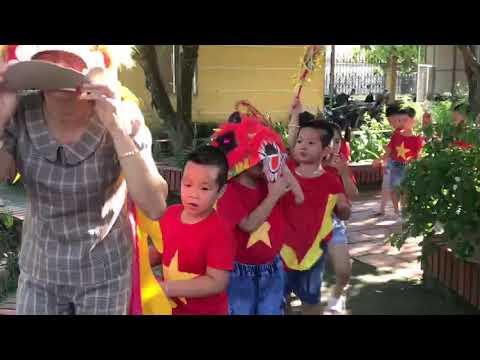 Trường Mầm non Đông Hợp Tổ chức vui trung thu cho các cháu Mầm non