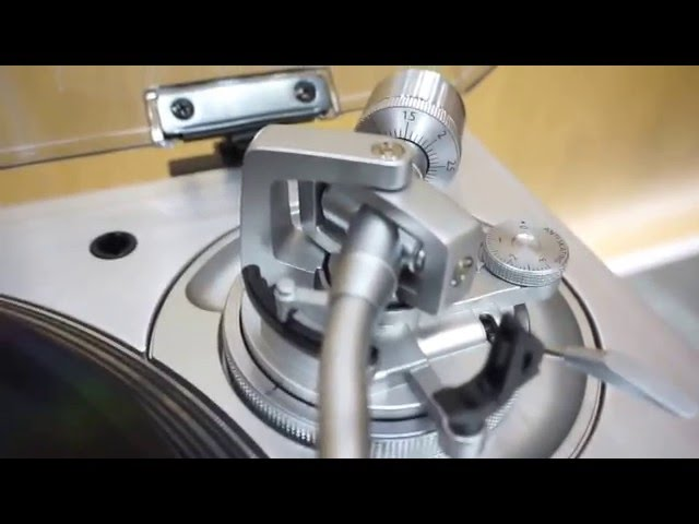 Technics SL-1200 GAE new turntable