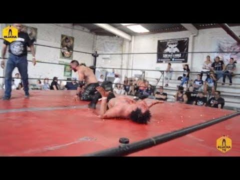 Willy Banderas vs Aero Extreme, lucha de tachuelas en Guanatos Hardcore Crew