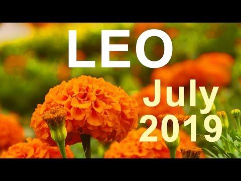 leo tarot march