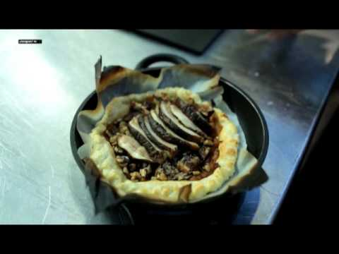 Video Tarte Tatin grilled boletus Charcoal oven - Engels