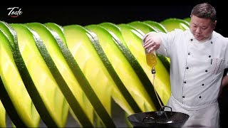 Precise Cutting Skills by Chinese Masterchef - How To Make Spiral Zucchini Squash