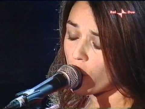 Significato della canzone Maria catena di Carmen Consoli