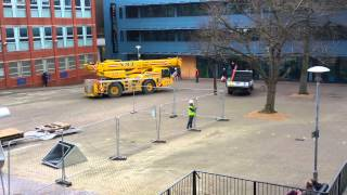 preview picture of video 'Crane leaving Bromley College (Orpington)'