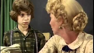 Willy rassure Mlle Beadle (VO)